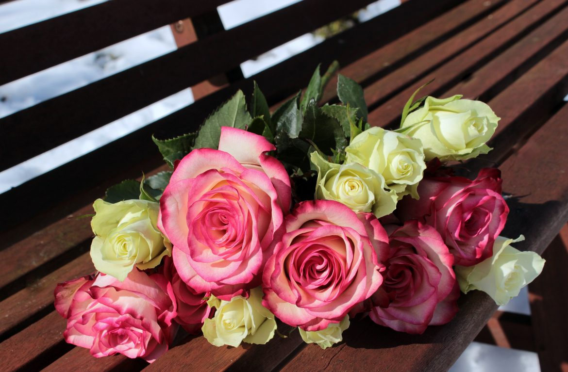 bouquet of roses 1246490 e1504286997938 - Planning for Mother's Day 2016