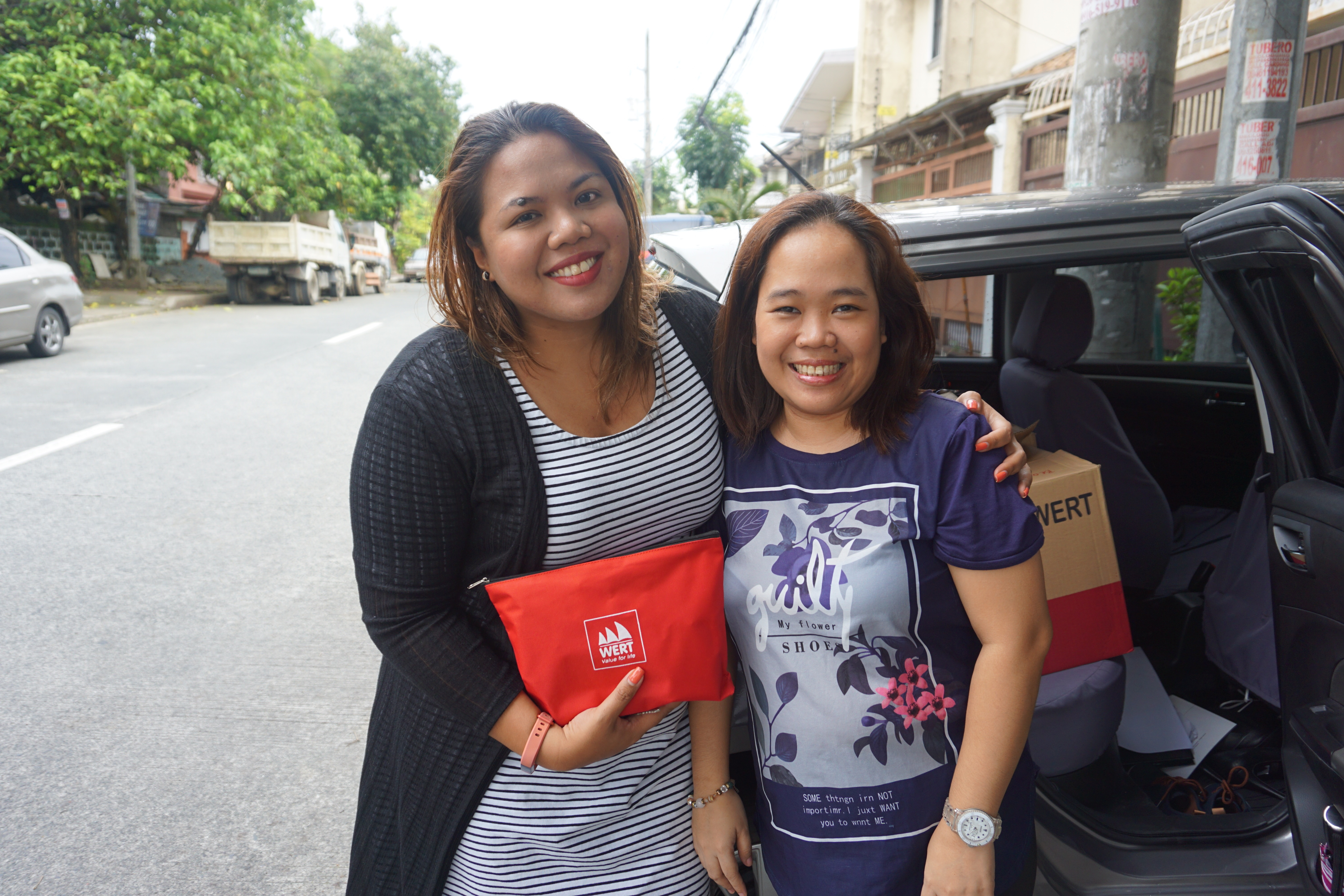 With Kaye Koo of SinagTala Foundation during turnover of vitamins and toys - Mommy Bloggers Shared The Love To Kids In Marawi Through Nutri10Plus Syrup Vitamin Blog Campaign